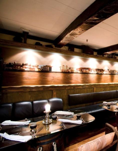 restaurant fjorukrain reykjavik island
